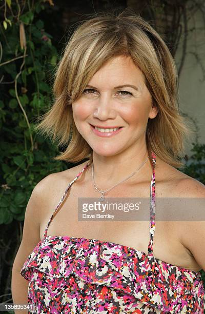 SWAP Tracey Gold / Carnie Wilson A selfdescribed control freak actress and producer Tracey Gold swaps her very organized home with freespirited...