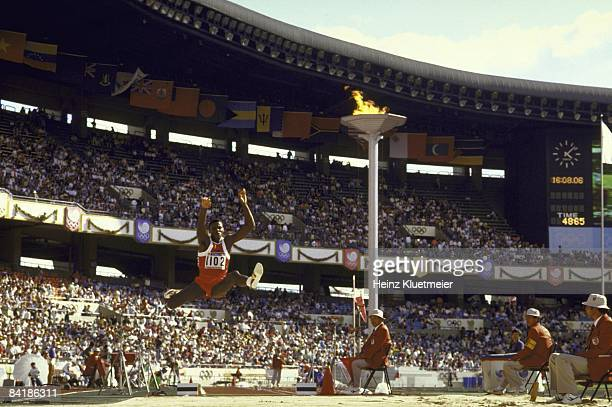 Summer Olympics: USA Carl Lewis in action during Long Jump at Olympic Stadium. Seoul, South Korea 9/26/1988 CREDIT: Heinz Kluetmeier