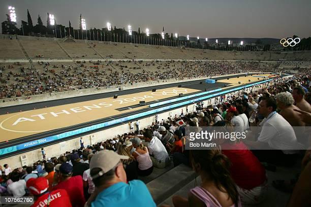 Summer Olympics. Overall view of finish line during Women's Marathon at Panathinaiko Stadium.Athens, Greece 8/22/2004CREDIT: Bob Martin