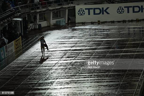 Track Field IAAF World Championships MEX Ana Guevara victorious after winning 400M bronze medal during evening session final Helsinki Finland...