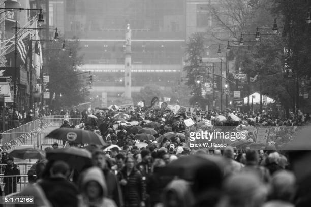 TCS New York City Marathon View of spectators gathered along Central Park South near Columbus Circle in Manhattan during race New York NY CREDIT...