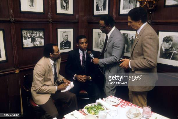 USA Carl Lewis during interview after receiving 1983 Gordon Gin's Black Athlete Award at Gallagher's Steakhouse Restaurant Media New York NY CREDIT...