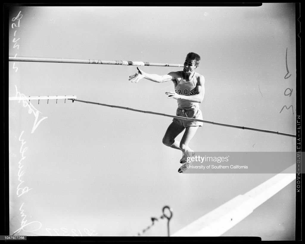 Track -- University of Southern California camera day, 1958 : News Photo