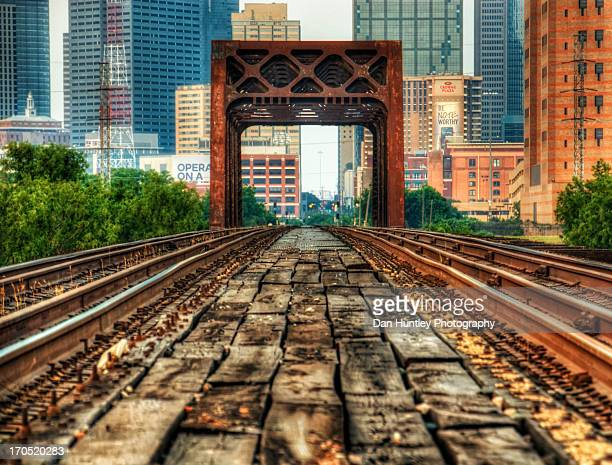 tracking to downtown - dallas texas stock pictures, royalty-free photos & images