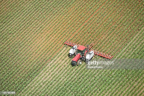 Tracteur application de nitrogène liquide engrais de champ de maïs