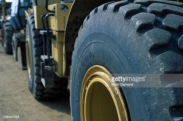 tractor tire tread - agricultural machinery stock pictures, royalty-free photos & images
