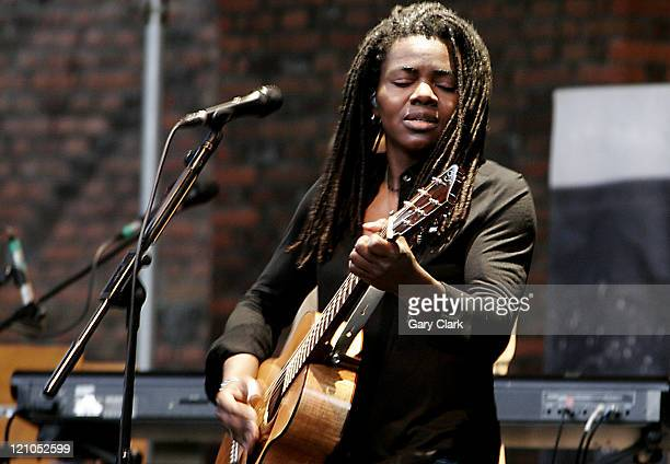 Tracy Chapman during Hampton Court Palace Festival 2006: Tracy Chapman Concert at Hampton Court Palace in Richmond upon Thames, Great Britain.