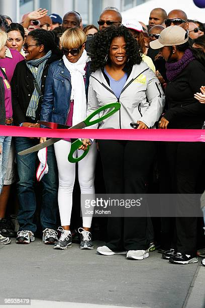 "Tracy Chapman, Mary J. Blige, Oprah Winfrey and Jennifer Hudson attend a charity walk to celebrate the 10th anniversary of ""O, The Oprah Magazine"" on..."