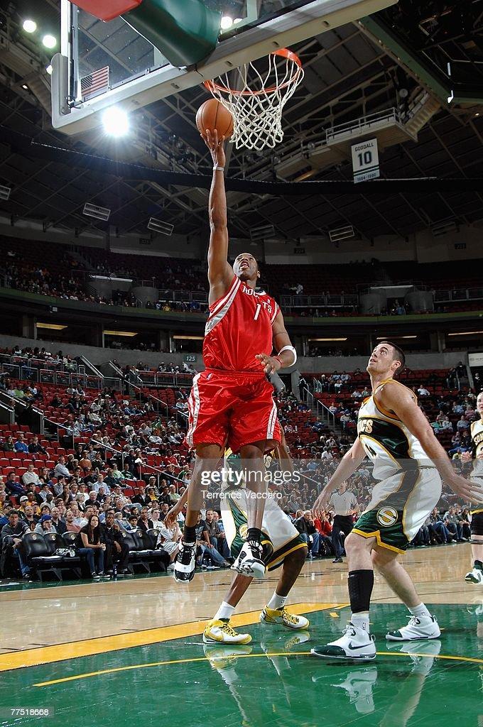 Houston Rockets v Seattle SuperSonics : News Photo