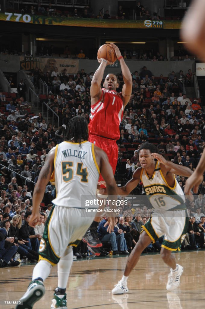 Los Angeles Lakers v Seattle SuperSonics : News Photo