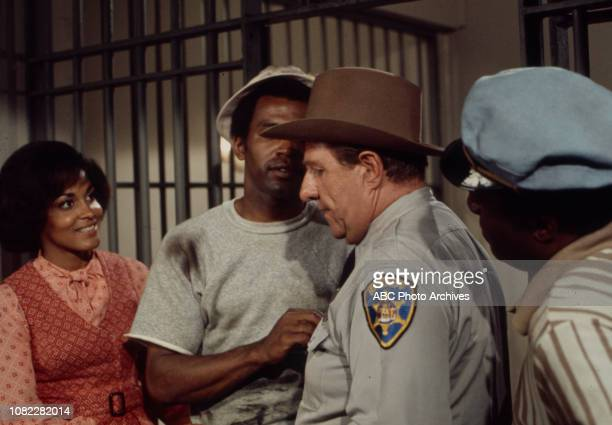 Tracy Reed Scoey Mitchell Stafford Repp Nipsey Russell appearing in the Walt Disney Television via Getty Images series 'Barefoot in the Park' episode...