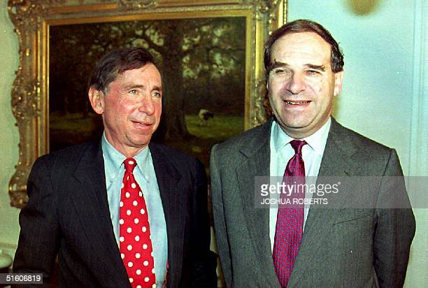 S Trade Representative Mickey Kantor and European Community Trade Commissioner Leon Brittan pose for photographers 23 November 1993 in Kantors...