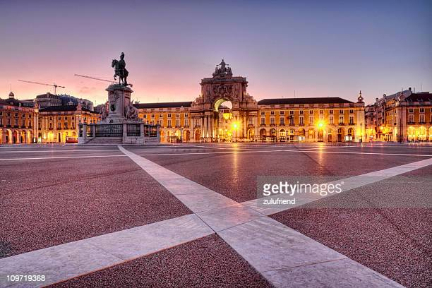 trade square in lisbon - lisbon stock pictures, royalty-free photos & images