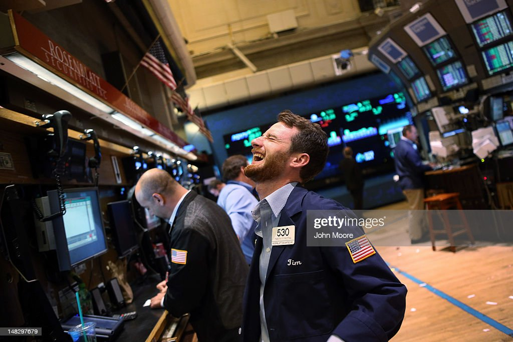 Dow Closes Up 204 Points : News Photo