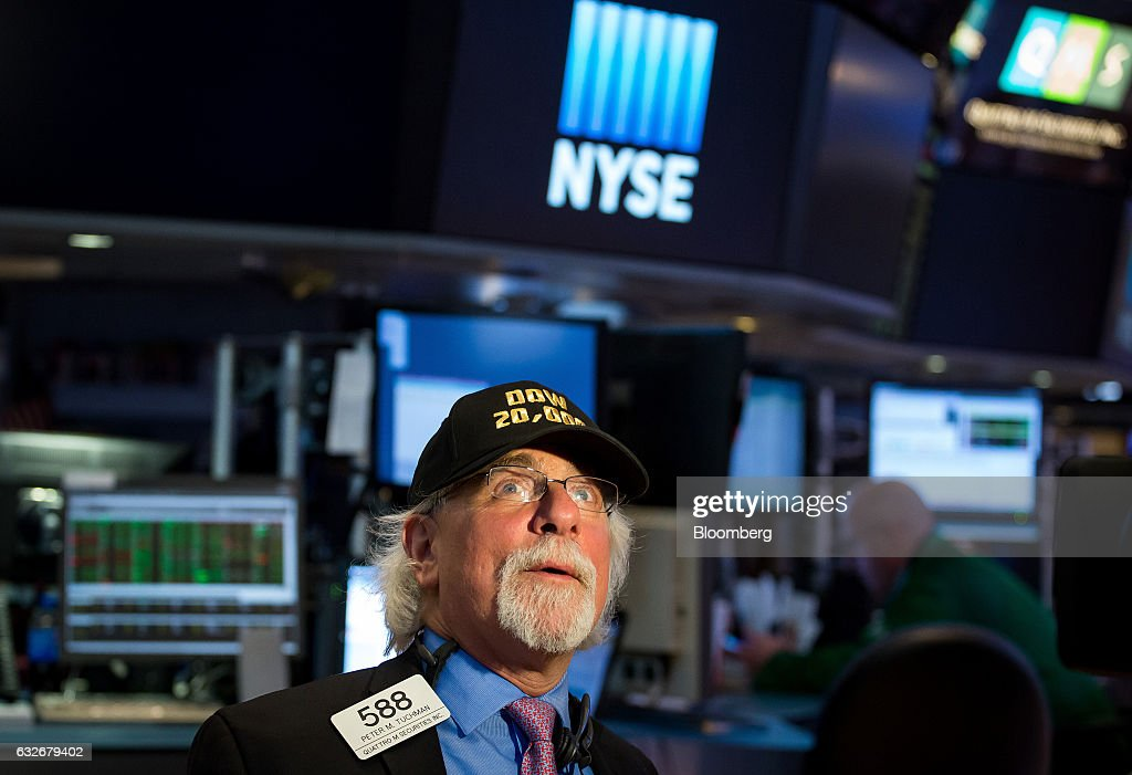 Trading On The Floor Of The NYSE As Dow Hits 20k : News Photo