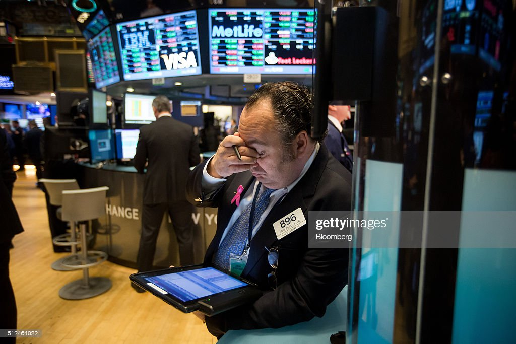 U.S. Stocks Add to Weekly Advance Amid Data, Optimism on China : News Photo