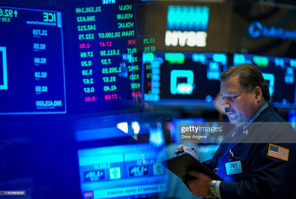 Markets Open In New York After A Volatile Week : News Photo