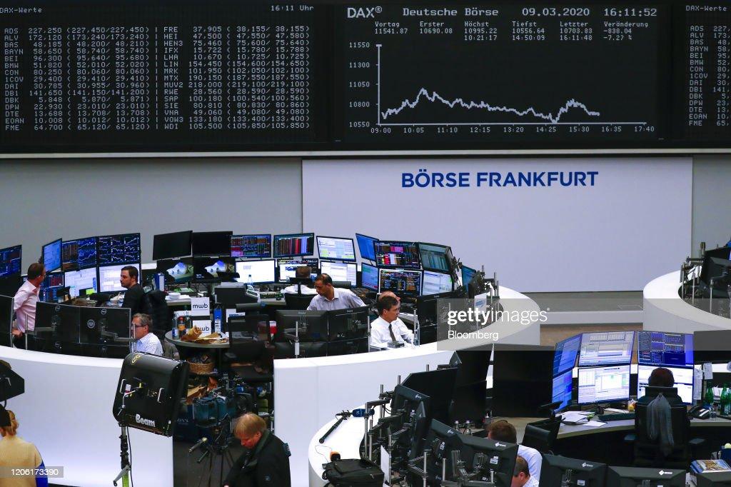 DAX Market Reaction As Global Stocks Plunge : Nachrichtenfoto