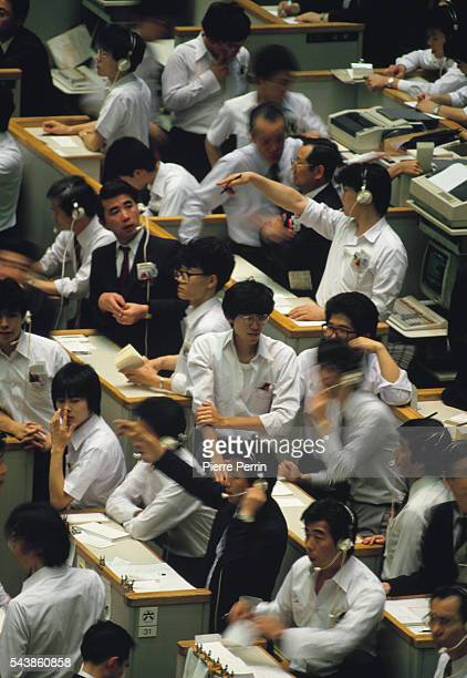Traders on the floor at the Tokyo Stock Exchange