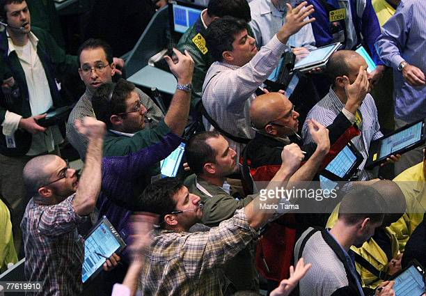 Traders work in the crude oil options pit of the New York Mercantile Exchange November 1 2007 in New York City Oil prices approached record highs...