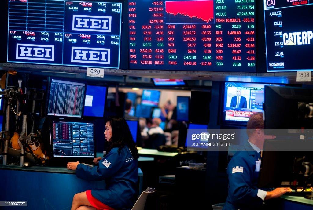 US-ECONOMY-STOCKS-MARKETS-CLOSE : News Photo