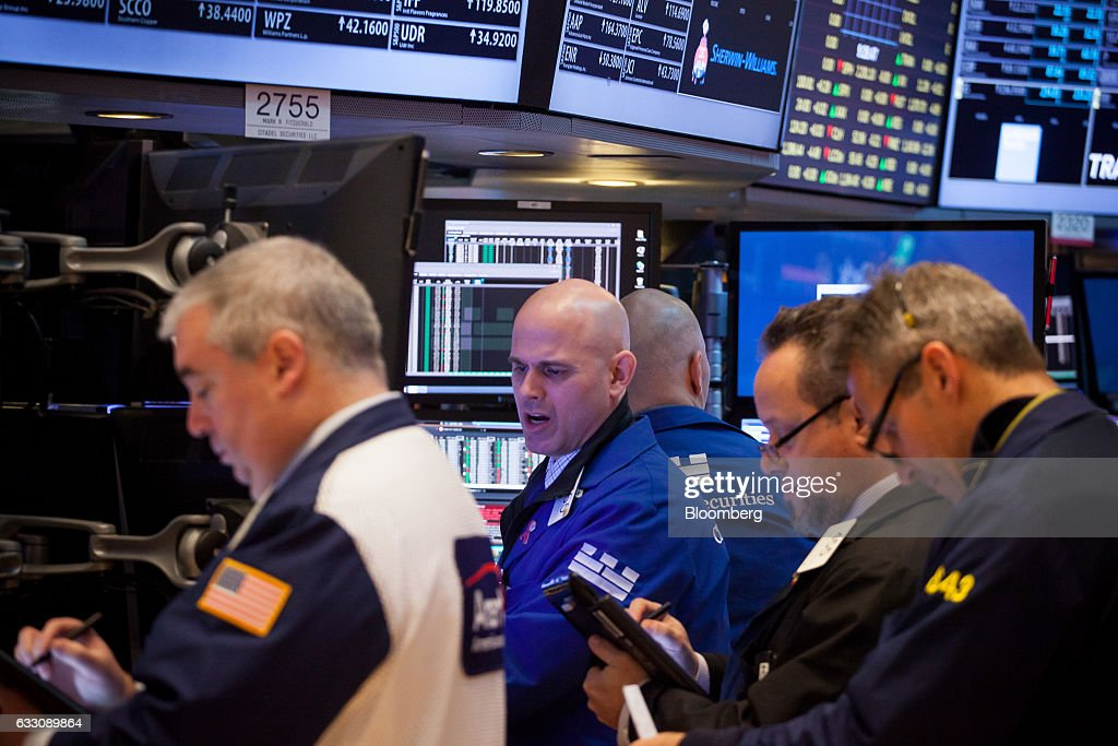 Trading On The Floor Of The NYSE As U.S. Stocks Fall, Bonds Rise : News Photo