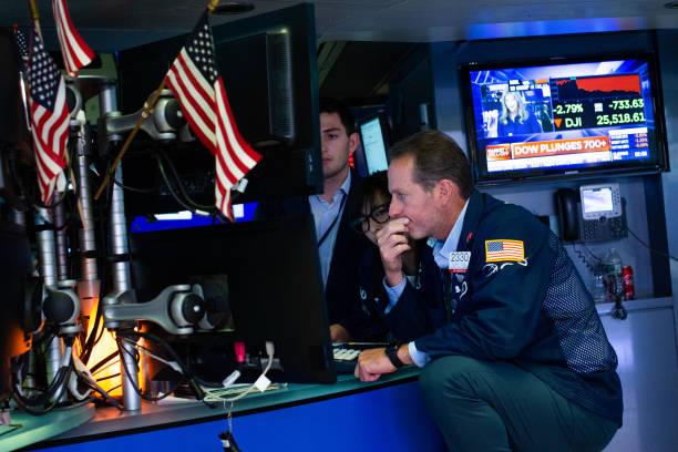 NY: U.S Stocks Fall After China Imposes Retaliatory Tariffs