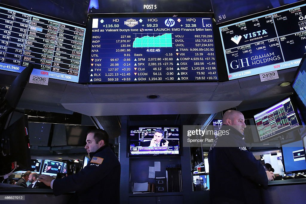 Dow Soars Over 200 Points After 3 Weeks Of Declines : News Photo