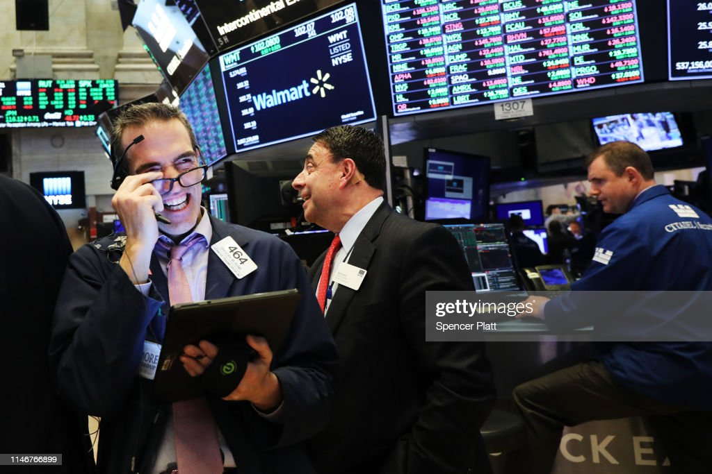 Stocks Rise On April Jobs Report : News Photo