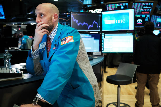 NY: Dow Plunges Over 1000 Points As Spread Of Coronavirus Rattles Markets