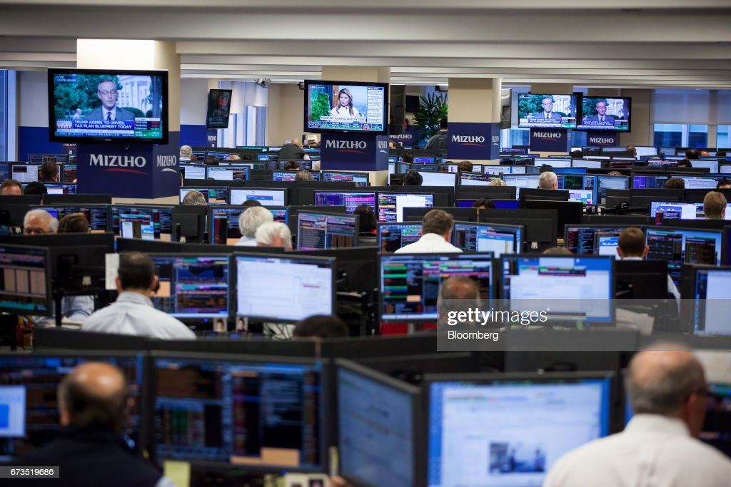 Traders Work On The Mizuho Americas Trading Floor In New York, U.S., On  Wednesday
