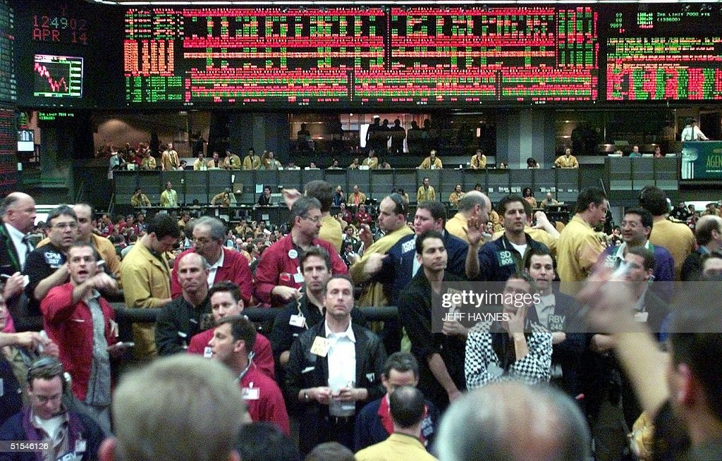 Traders Work The Nasdaq 100 Futures Trading Pit At The Chicago