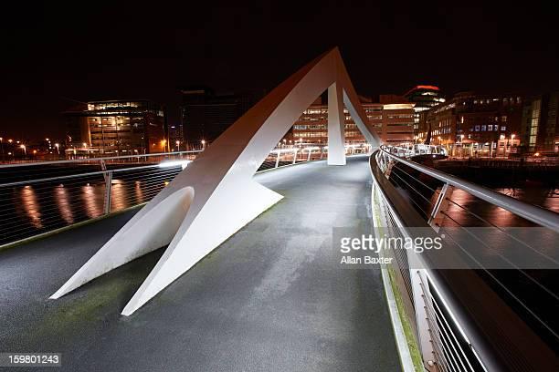 Tradeston Bridge at night