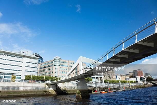 tradeston puente, glasgow - theasis fotografías e imágenes de stock