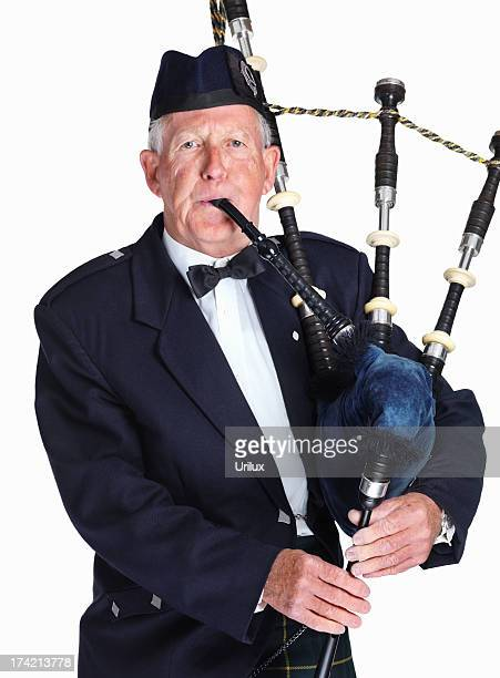 tradional scottish piper - bagpipes stock pictures, royalty-free photos & images