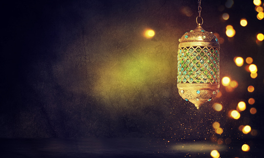 Traditional arabic lantern 598560590