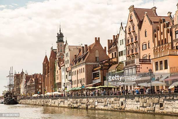 traditional architecture, harbour, gdansk, poland - polônia - fotografias e filmes do acervo
