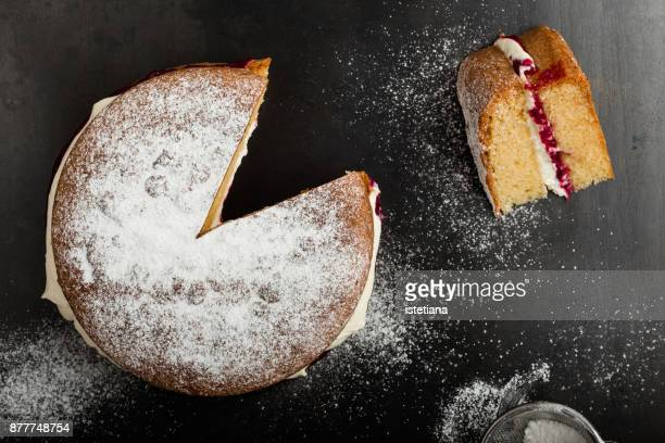 traditional british dishes. classic victoria sandwich - sponge cake stock pictures, royalty-free photos & images