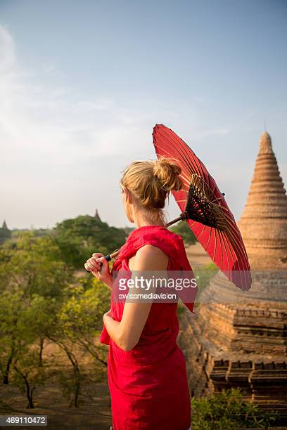 Traditional burmese woman on Bagam temples