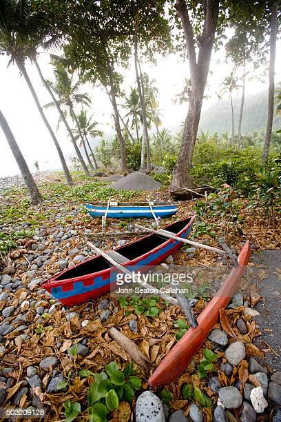 Traditional canoes at Moya Beach
