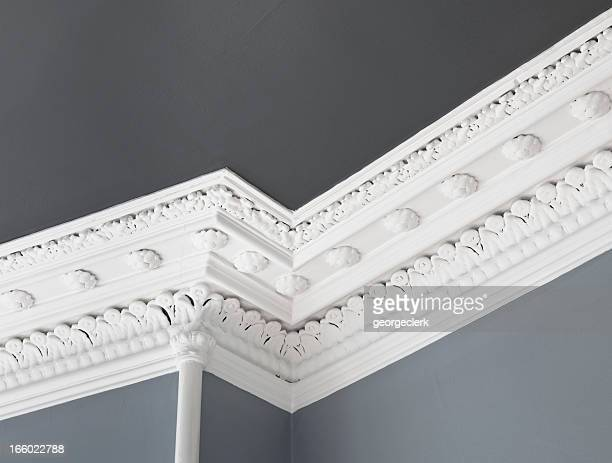 traditional ceiling cornice moulding - wall building feature stock pictures, royalty-free photos & images