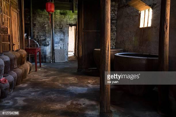 traditional chinese wine workshop - saki fotografías e imágenes de stock