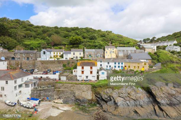 traditional cornish village of portloe in cornwall. uk - truro cornwall stock pictures, royalty-free photos & images