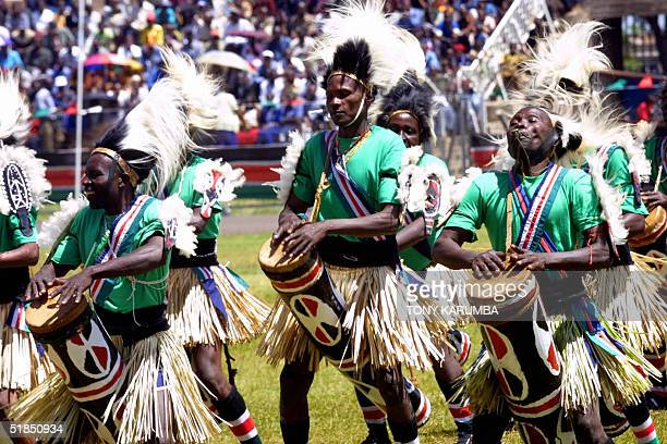 Traditional dancers perform 12 December 2004 at the Nyayo stadium in Nairobi the venue of the 41st Jamhuri day celebrations Kenyan President Mwai...
