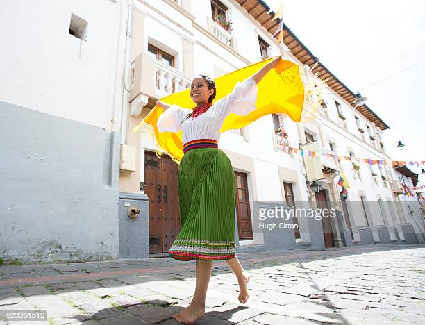traditional ecuadorian dancer, quito, pichincha province, ecuador - hugh sitton stockfoto's en -beelden