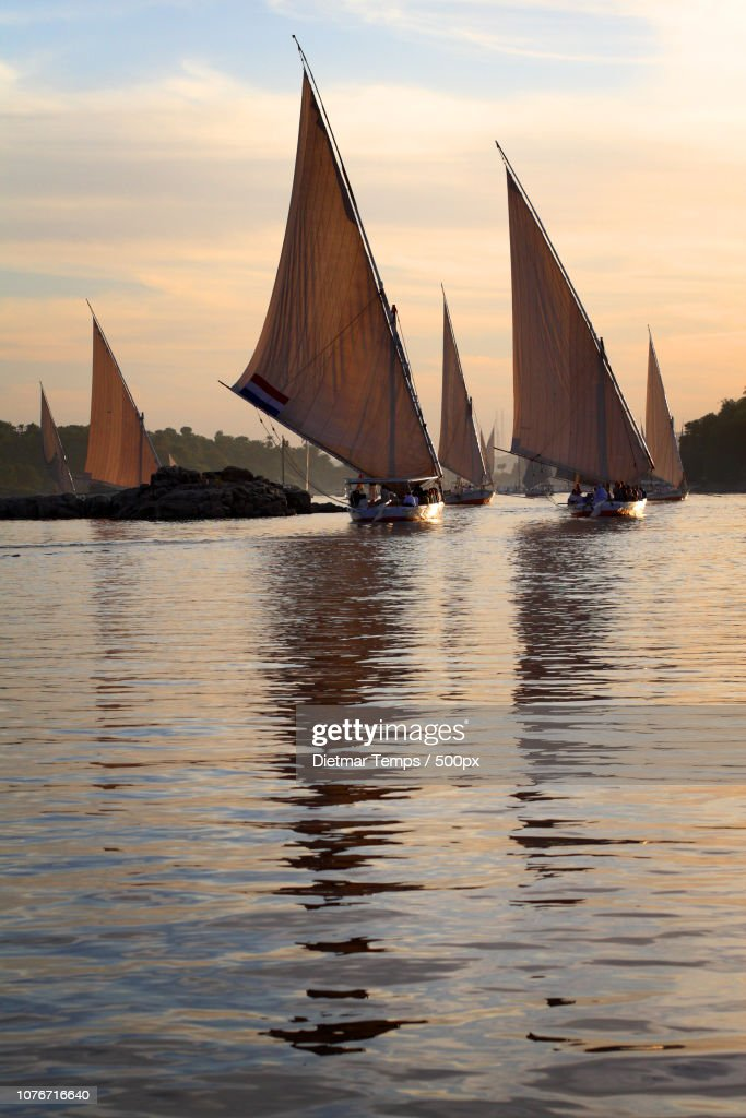 Traditional feluccas on Nile : Stock-Foto