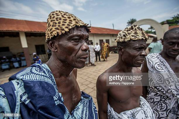 Traditional festival in which the king of the Ashanti, Osei Kofu Tutu, receiving guests, dressed strictly with tunics, which bring a gift bottle of...