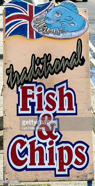 traditional fish and chips sign - lyn holly coorg stock pictures, royalty-free photos & images