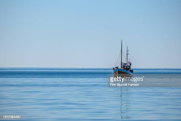 traditional fishing boat  in lofoten islands, norway - finn bjurvoll bildbanksfoton och bilder