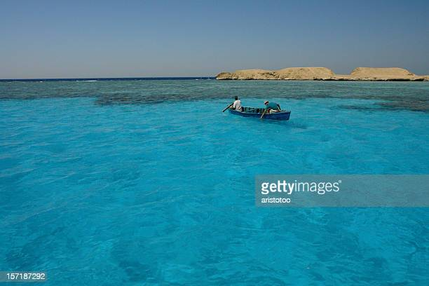 traditional fishing boat next to giftun, hurghada, red sea, egypt - red sea stock pictures, royalty-free photos & images